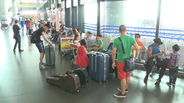 Sau một buổi sáng thảnh thơi, hưởng thụ bầu không khí tại thủ đô Hà Nội, 4 cặp bố con lại tiếp tục hành trình mới.