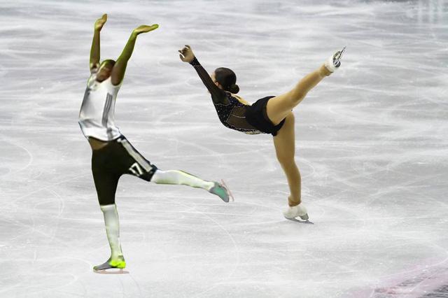 Boateng biểu diễn trượt băng nghệ thuật