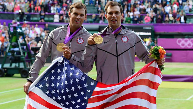 Anh em nhà Bryan nói lời chia tay với Olympic 2016 vì lý do sức khỏe (Ảnh: MARK J. REBILAS)