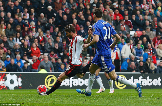 Borini ghi bàn vào lưới đội bóng cũ, san hòa tỉ số 1-1.
