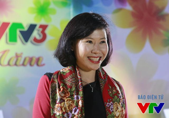 Trong khi đó, BTV Thanh Hường là một gương mặt không kém phần thân thuộc với khán giả VTV3. Cô được biết đến nhiều qua chương trình Chúng tôi là chiến sĩ. Ngoài ra, cô còn đảm nhiệm nhiều vai trò ở hậu trường.