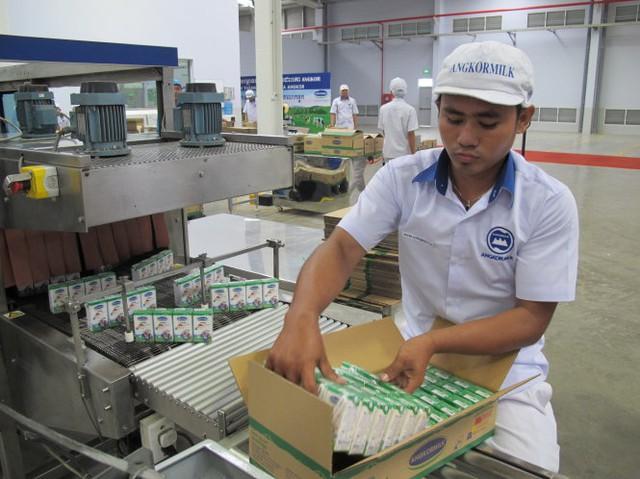 Nhà máy sữa Angkor là nhà máy sữa đầu tiên của Vinamilk tại Campuchia. (Ảnh: Tuổi trẻ)