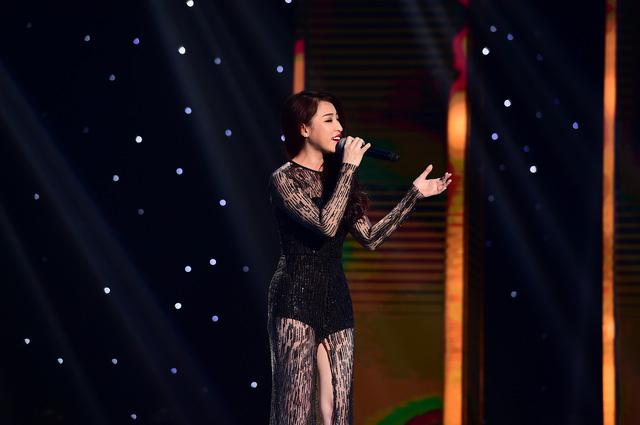 Cô nàng Cao Công Nghĩa gây sốt với ngoại hình đẹp, phong thái trình diễn chuyên nghiệp.