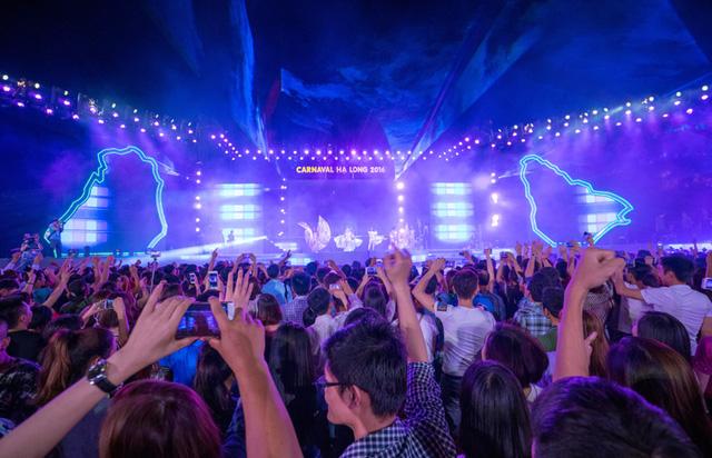Ngay sau chương trình khai mạc là tiết mục DJ sôi động, thu hút sự tham gia của nhiều bạn trẻ