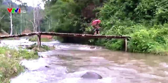 Địa điểm xây dựng cầu treo phải được khảo sát thực tế kỹ lưỡng.