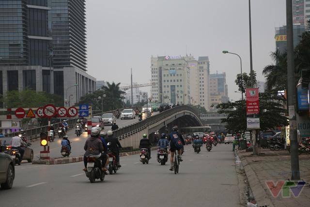 Thông xe vào tháng 4/2012, cầu vượt nút giao thông Láng Hạ - Thái Hà - Huỳnh Thúc Kháng dài 189m, có tổng vốn đầu tư hơn 67 tỉ đồng