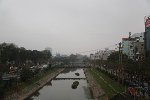 Một góc nhìn khác về sông Tô Lịch sau khi được cải tạo, chỉnh trang.