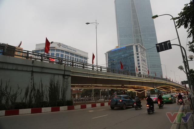 Cầu vượt tại nút giao thông Nguyễn Chí Thanh - Kim Mã thuộc địa phận quận Ba Đình, Hà Nội