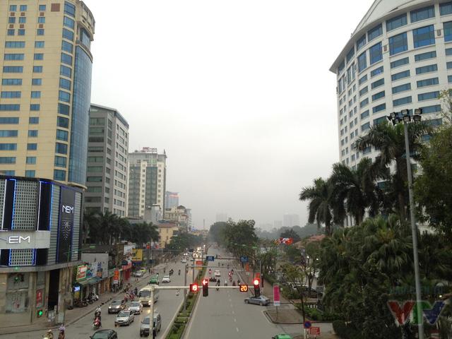 Trước khi xuất hiện cầu vượt dài nhất Thủ đô, không dễ để có được góc đẹp nhìn về phía đường Kim Mã như thế này.
