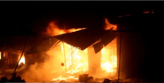 Hiện trường vụ cháy (Ảnh chụp từ Clip báo Dân trí).