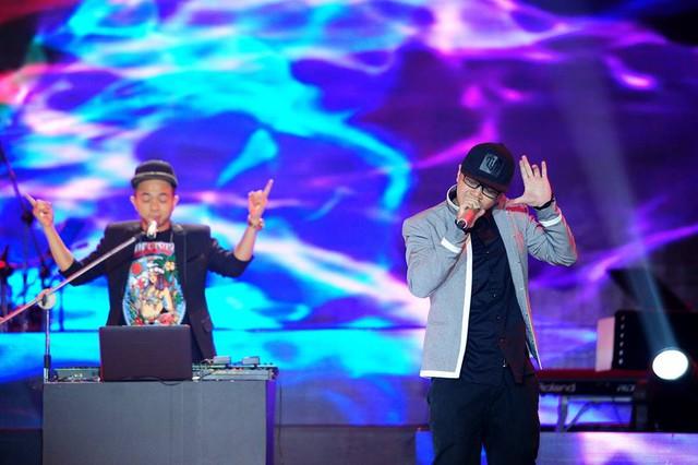 PB Nation với bài hát Họa mang phong cách EDM