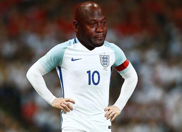 Khuôn mặt Jordan khóc đỏ mắt là nỗi lòng của các cầu thủ Anh hiện nay