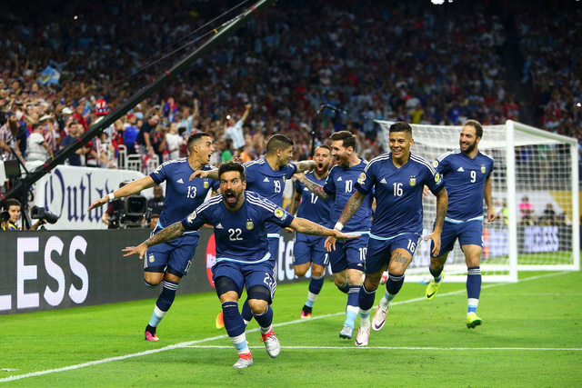 ĐT Argentina tiến vào trận chung kết với những thắng lợi hủy diệt