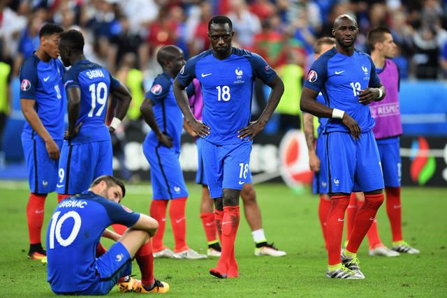 Sau 10 năm, ĐT Pháp một lần nữa ngậm trái đắng ở chung kết một giải đấu lớn. Trước đó là World Cup 2006 với thất bại trước Italy