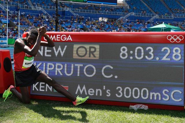 Conseslus Kipruto (Chạy 3000m vượt chướng ngại vật nam - Kenya).