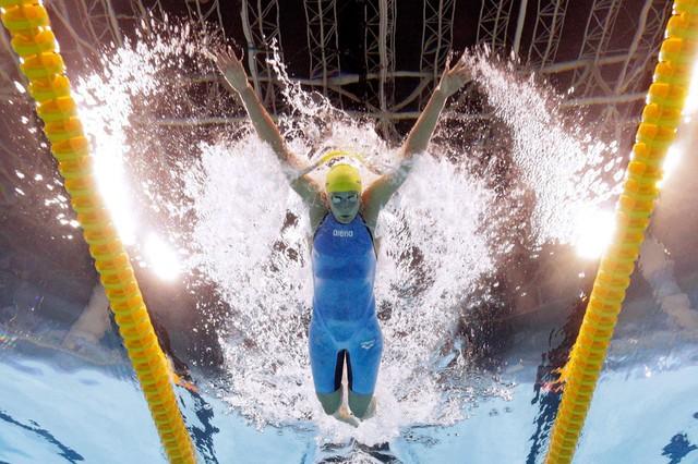 Sarah Sjostrom phá kỷ lục thế giới ở nội dung 100m bơi bướm nữ (Ảnh: Al Bello/Getty Images)
