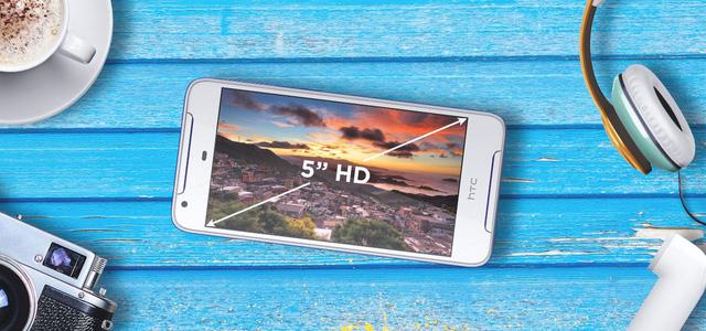 Camera của HTC Desire 628 hỗ trợ khả năng chụp selfie bằng giọng nói