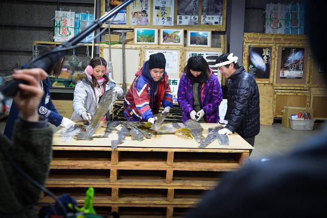 Đinh Mạnh Ninh với trải nghiệm cắt lá tảo Công bố.