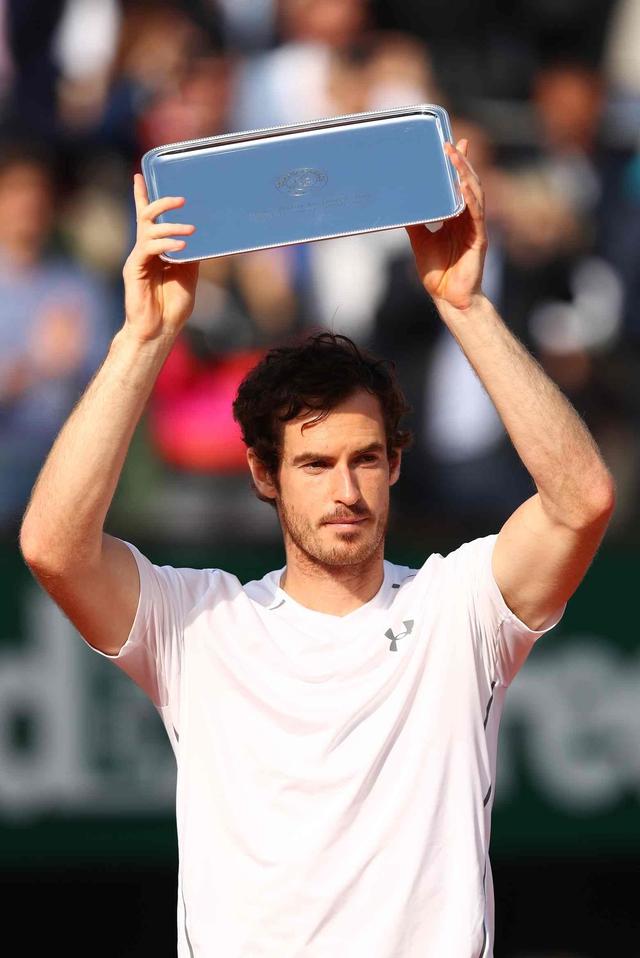 Thêm một lần, Murray lại thất bại trước Djokovic trong trận chung kết Grand Slam. Ảnh: Getty