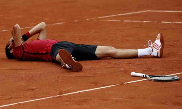 Cảm xúc chiến thắng của Djokovic ngay sau kết thúc trận đấu. Ảnh: Guardian