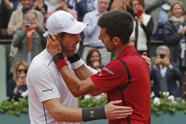 Djokovic chia sẻ cùng Andy Murray. Ảnh: Mail