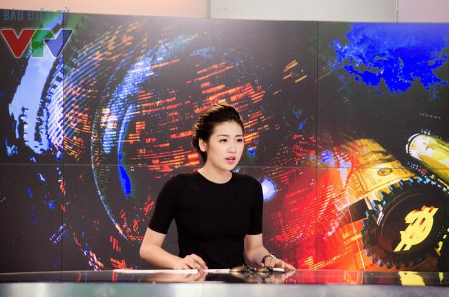 Dương Tú Anh rất nỗ lực để sớm trở thành một MC truyền hình