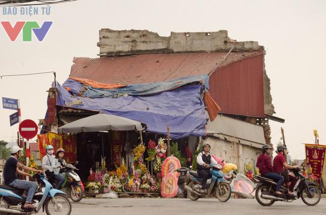 Mặt tiền ngôi nhà số 650 đường Bưởi vẫn được dùng để kinh doanh buôn bán