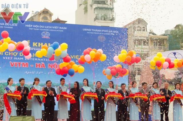 Lễ cắt bằng khai mạc Hội chợ Du lịch Quốc tế Việt Nam 2016