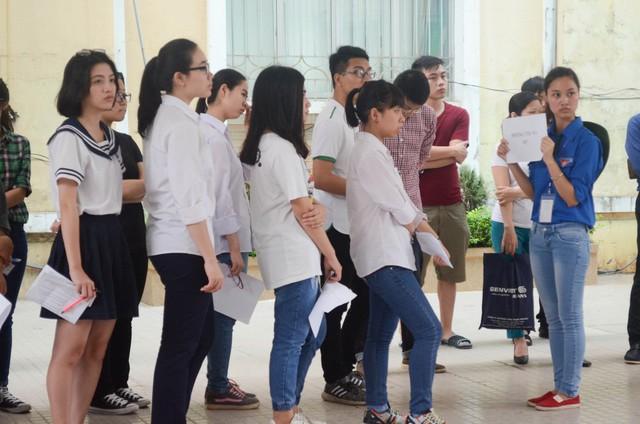 Sáng 5/5, các thí sinh đã bước vào buổi thi ĐGNL Ngoại ngữ đầu tiên