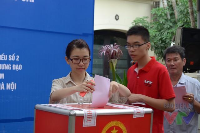 Ngày hội lớn của cả nước có sự tham gia của tất cả các cử tri ở mọi lứa tuổi