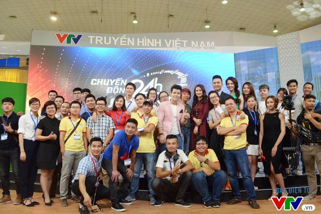 Các thành viên của Trung tâm tin tức VTV24 tại Telefilm 2016.
