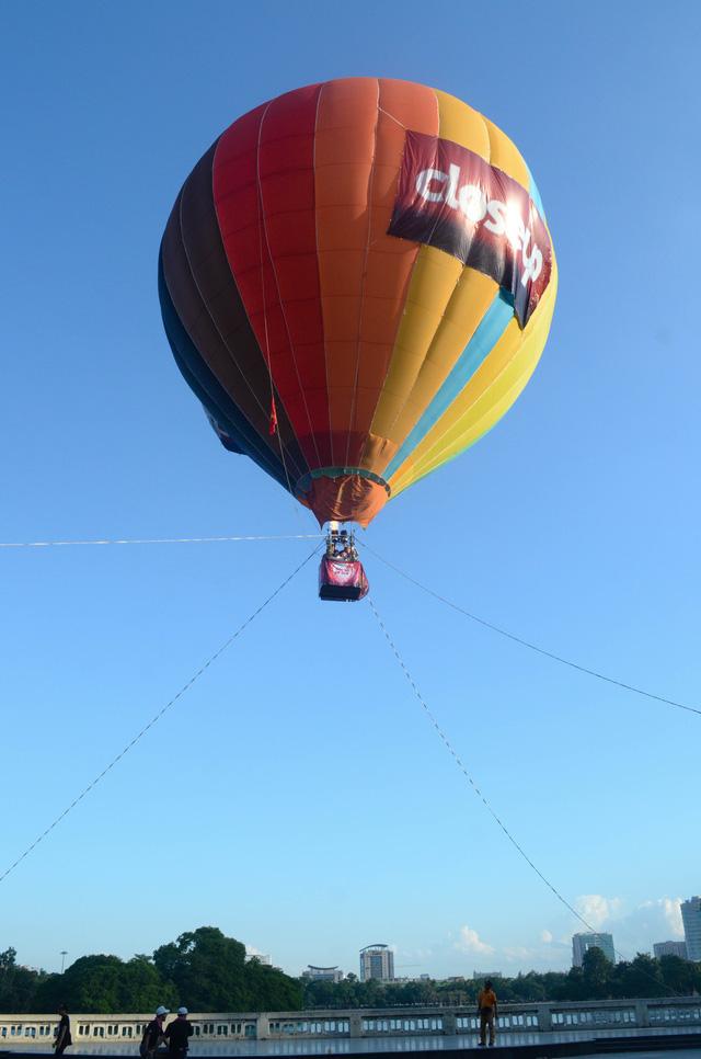 Các cặp đôi đã có cơ hội trải nghiệm cảm giác mới lạ trên khinh khí cầu, có được một Cuộc hẹn để đời