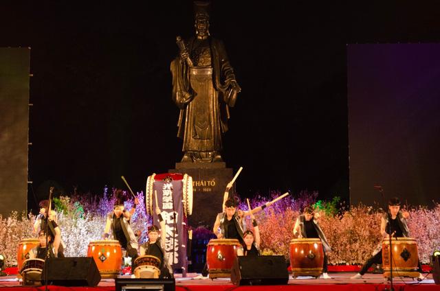 Nhiều tiết mục đặc sắc đậm màu văn hóa Nhật Bản được trình diễn để phục vụ công chúng Hà Nội