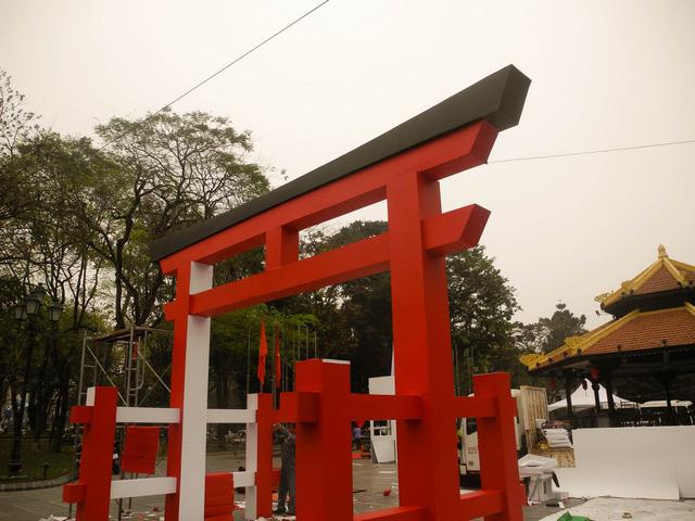 Cánh cổng đỏ Torrin được dựng tại sự kiện