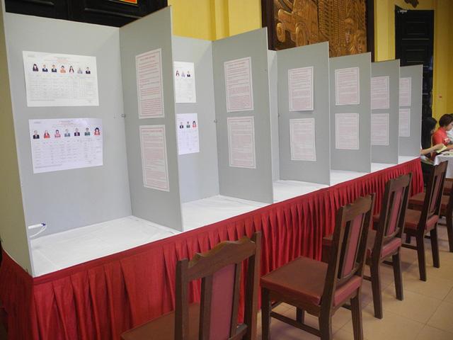 Mọi công tác chuẩn bị đã sẵn sàng cho các cử tri đến bỏ phiếu