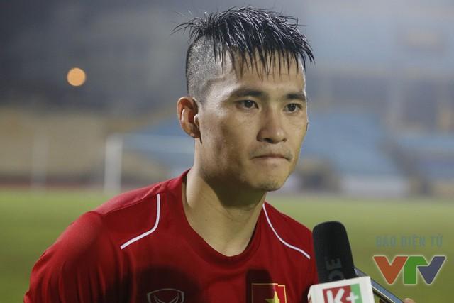 Sau trận đấu, Công Vinh bày tỏ sự vui mừng sau chiến thắng của ĐT Việt Nam đồng thời gửi lời cảm ơn tới khán giả đã tới xem trận đá tập của đội