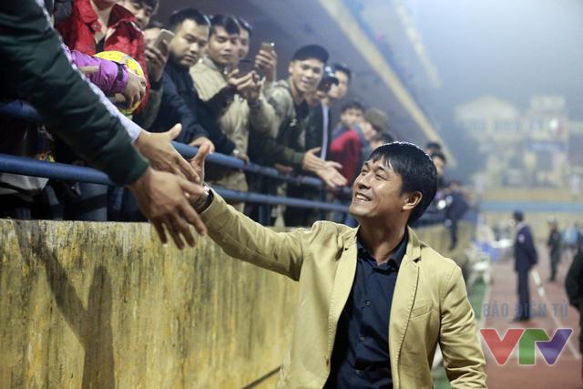 Trận giao hữu đầu tiên của HLV Hữu Thắng trên cương vị dẫn dắt ĐT Việt Nam gặp Hà Nội T&T vào tối 16/3 nhận được sự quan tâm lớn từ phía người hâm mộ