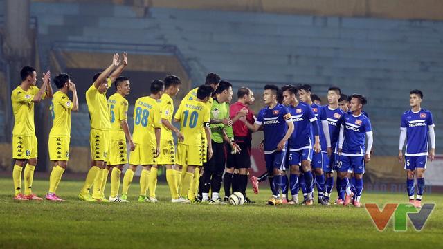 Trận đấu kết thúc với tỷ số 0-0. Dù vậy, HLV Hữu Thắng và các học trò đã có thêm nhiều bài học bổ ích, góp phần định hình rõ ràng lối chơi trong các trận đấu tới. Cữ dượt thứ 2 của ĐT Việt Nam với CLB Than Quảng Ninh diễn ra vào ngày 19/3.
