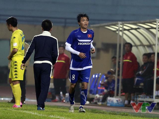 Tuấn Anh cũng được HLV Hữu Thắng rút ra trong hiệp 2. Đây được coi là màn ra mắt thành công của tiền vệ đang chơi cho Yokohama FC
