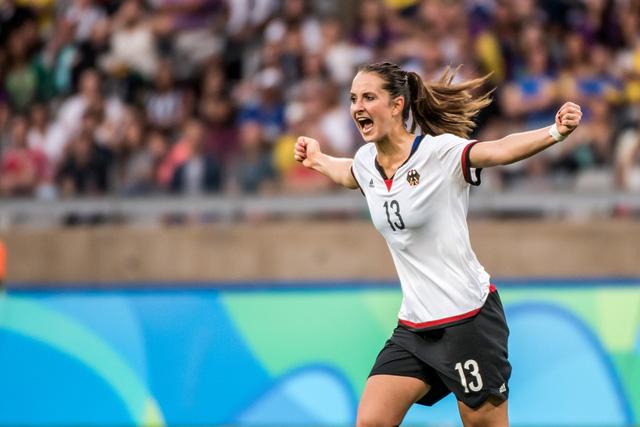 ĐT bóng đá nữ Đức đã trả nợ thành công trận thua 1-2 trước ĐT Canada tại vòng bảng