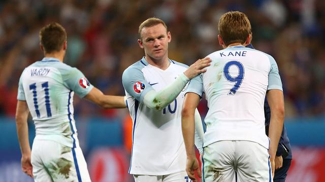 Rooney và các đồng đội đã có màn trình diễn tệ hại tại EURO 2016. Ảnh: UEFA