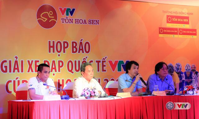 Đại diện Ban tổ chức trả lời các câu hỏi của báo chí trong buổi họp báo