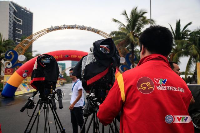 Các BTV và quay phim cũng như đạo diễn hình của Thể Thao VTV đã chuẩn bị sẵn sàng cho lễ khai mạc từ rất sớm