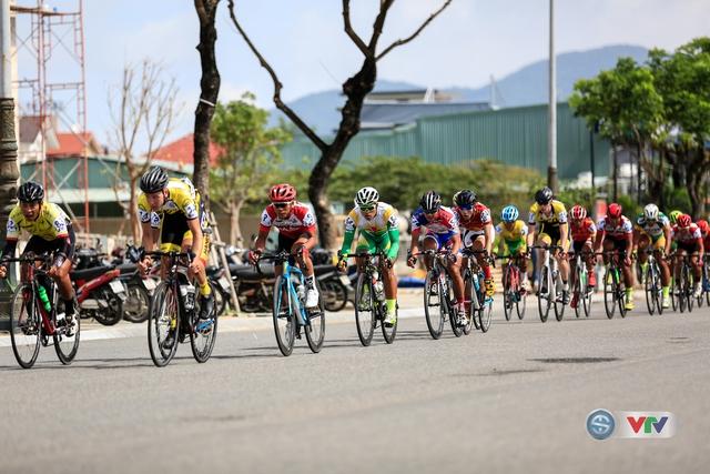 Đoàn đua đã tăng tốc ngay từ những vòng đầu