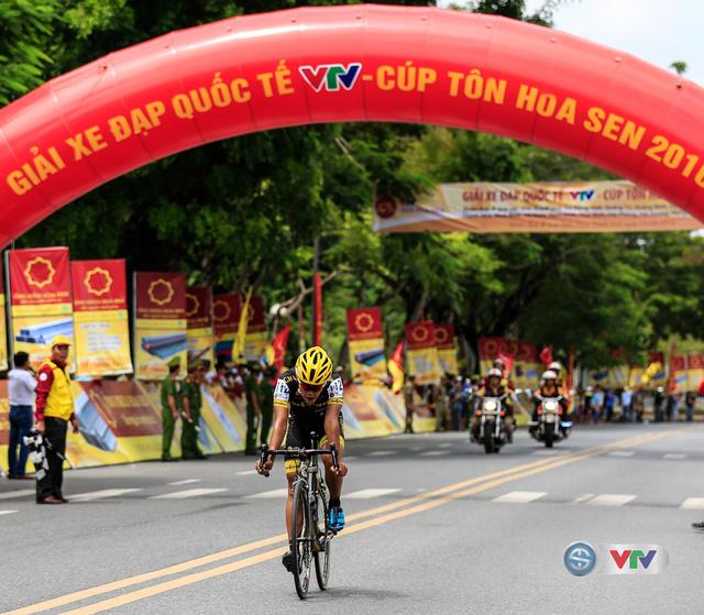 Changpad Karik Sada (đội SICT - Thái Lan) cán đích ở vị trí thứ 3