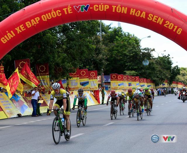 Jos Koop (BICT Lào) về nhất chặng 3 từ Phu Văn Lâu (Huế) đi Quảng Bình, lộ trình dài 158 km