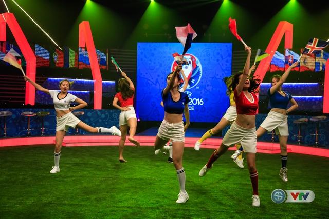 Các cô gái Nóng cùng Euro tự tin thể hiện vũ đạo.
