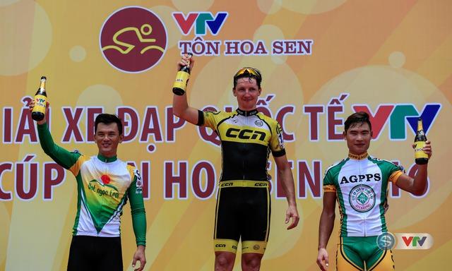 3 cua-rơ về nhất, nhì, ba ở chặng 3 Giải xe đạp Quốc tế VTV Cúp Tôn Hoa Sen 2016 từ Phu Văn Lâu đi Quảng Bình, lộ trình dài 158km