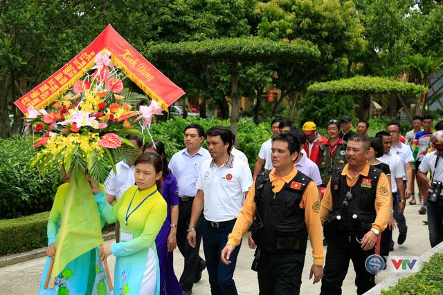 Đây là lần đầu tiên các cua-rơ ở 1 giải đấu trong nước có cơ hội thăm khu di tích tại quê Chủ tịch Hồ Chí Minh
