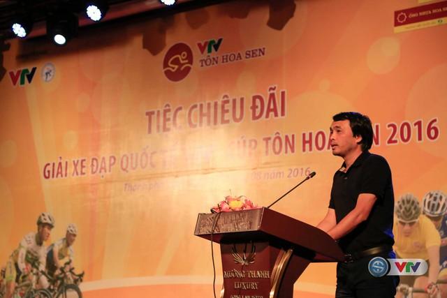 Nhà báo Phan Ngọc Tiến, Trưởng ban Sản xuất các chương trình thể thao, Đài THVN, Trưởng ban tổ chức giải phát biểu tại tiệc chiêu đãi